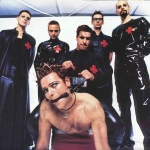 """Live @ les Arenes de Nimes bei Rammsteins Welttournee 2004/2005:In welcher Reihenfolge kommen die Members zu """"Links 2,3,4"""" auf die Bühne ma"""