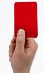 Letzte Fußballfrage: Welches Foulspiel führt in der Regel nicht zu einer roten Karte?