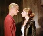 Wie ist Buffys Reaktion als sie (schon total betrunken) siegt, was der Einsatz bei Spikes Pokerrunde ist?