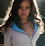 """Rihannas 1. Single """"Pon de replay"""" verkaufte sich weltweit 3.970.000-mal."""