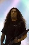 Wie heißt der Sänger von Slayer?