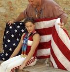 Die Olympischen Spiele 2004 waren für Carly Patterson ein riesen Erfolg. Sie turnte sich an die Weltspitze des Mehrkampfes und gewann die Goldmedaill