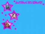 """Im Musikvideo von """"Complicated"""" ist sie teilweise in einem Einkaufszentrum und teilweise in einem Skatepark"""