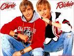 Chris und Richie von Us5 sind Zwillinge.