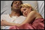 Was macht Izzy als sie erfährt, dass Denny das Herz vom Mercy West nicht bekommen soll?