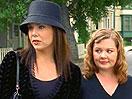 Wie kommen Lorelai und Sookie an das Dragonfly Inn ran?