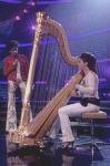 Welches Musikinstrument spielt Nadine?