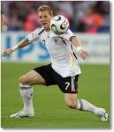 Gegen welche Mannschaft schoss Bastian Schweinsteiger bei der WM 2006 zwei Tore?