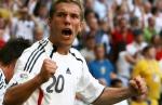Wie wurde Lukas Podolski bei seiner ersten Profistation genannt?