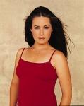 Wie heißt die Schauspielerin die in der Serie Charmed Piper Halliwell spielte?