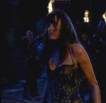 Xena ist die erste, die den Spießrutenlauf durch ihre eigenen Männer überlebt.