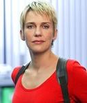 Alexandra Rietz wurde am 22. Juni 1971 in Bad Oeynhausen geboren.