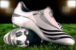 Und zum Schluss noch was Schweres: Wie heißt das Schuhmodell von Lukas Podolski?