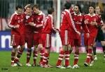 Der FCB gewann 04/05 und 05/06 sehr viele Spiele in Folge, wieviele?