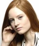 Wer hat rote Haare (siehe Bild)?