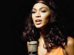 """Die Single """"Listen"""" war Platz 17 in den deutschen Charts"""