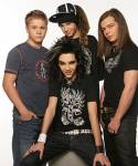 Fangen wir mit etwas Leichtem an: Wer ist der Jüngste in der Band?