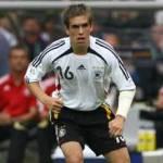 Auf welcher Position spielt er in der Nationalmannschaft und im Verein?