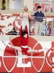 Welche Trikotnummer hat Troy beim Basketball?