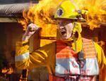 """In der Episode """"Feueralarm"""" wurden Sandra und Alex von Jodi und Stevie aus dem brennenden Haus befreit. Als Harry auftauchte entfachte ein S"""