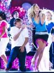Welches Lied singt Troy sowohl mit Gabriella als auch mit Sharpay?