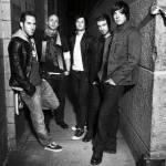 Beginnen wir. Diese 5 Jungs stammen aus Kanada. Sie gründeten diese Band im Jahre 1999. Wie heißt sie?
