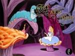 Welchen Fehler macht Alice, als sie nicht durch die Tür kommt?