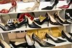 Du gehst mit deinem schwulen Freund einkaufen. Welche Schuhe passen seiner Meinung nach am besten zu dir?