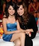 Wie heißt Selenas beste Freundin?