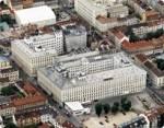Nun wieder zum Unternehmen Manner: In welchen drei österreichischen Orten hat Manner seine Produktionsstandorte?