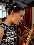 Vinnie will (als Pip Sängerin ist) nicht, dass Max zurückkommt und Jule soll versuchen, Saxophon zu spielen