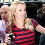 """In welchem Jahr wurde das Buch """"Das Lied der Liebe"""" von Britney und Lynne geschrieben?"""