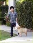 Wie heißt Nicks Hund?