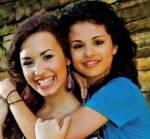 Ihre beste Freundin ist Demi Lovato?