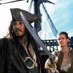 Nachdem Barbossa sie auf die Pearl entführt hat und William Jack aus dem Gefängnis befreite, wollen die beiden ein Schiff kapern. Wie gelangen sie a