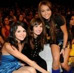 Mileys Freundin heißt Demi Lovato.