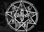"""Wer hat das Badlogo, einen neunzackigen Stern, und das berühmte Slipknot """"S"""" entworfen?"""