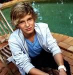 Erste Frage: Wie ist der zweit Name von Cody Simpson?