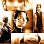 Auf welcher Seite neben Katniss steht Peeta (nach zwei anderen Tributen) im Film?