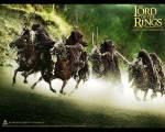 Wie viele überlebende Rohirrim sieht man gegen Ende in Helms Klamms Thronsaal?