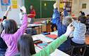 Dein/e Lehrer/in sucht einen Freiwillige/n für einen Vortrag.Wie reagierst du?