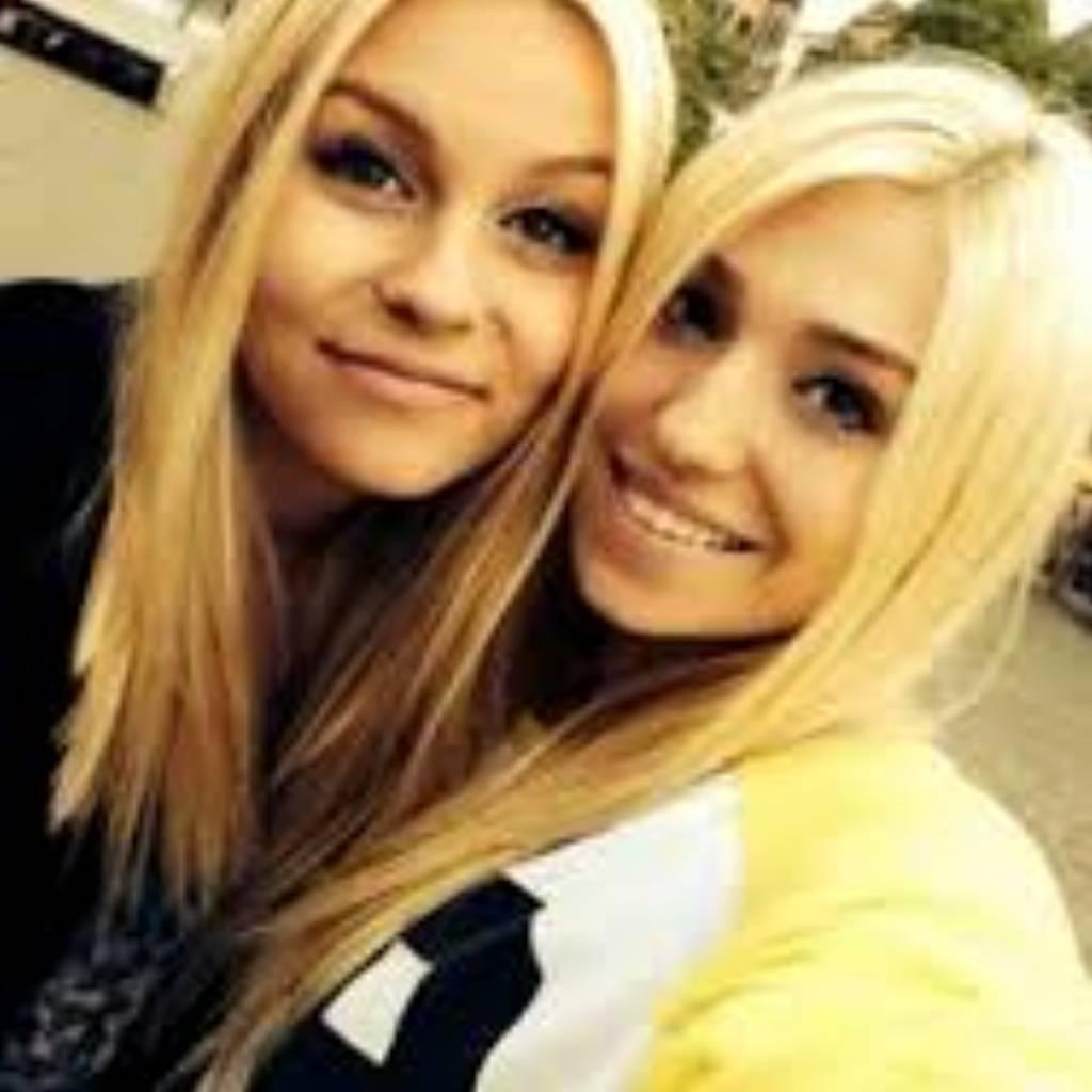 Marie Und Ihre Blonde Freundin