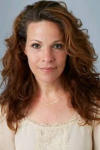 Lili Taylor = Mary Cooper