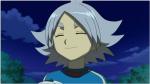 Name: Yuki Akagami Alter: 13 Aussehen: lange schwarze Haare mit wenigen Silbernen Strähnen;kurzer Pony; Dunkelblaue Augen die im Licht Violett funkel