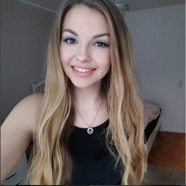 Hübsche Youtuberinnen