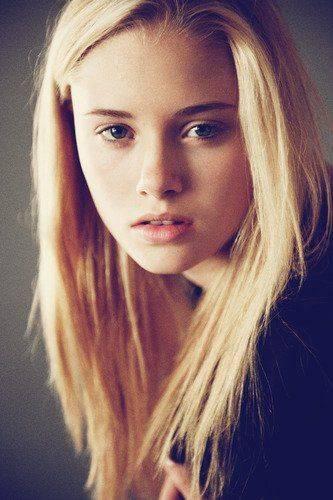 Blonde Haare Augen Weiblich Blaue