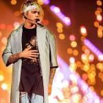 Ist Justin in einer wohlhabenden Familie aufgewachsen?