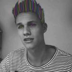Welche Kombination von Augen- und Haarfarbe hat Luca?