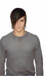 Name: Lars Anderson Alter:15 Geschlecht: M Aussehen: Schwarze Haare welche er in 'nem Undercut trägt, grauer übergroßer Hoodie, schwarze Jeans un