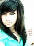 Und jetzt mein Stecki: Name: Sumina Relivio Alter: 16 Geschlecht: weiblich Aussehen: schwarze, hüftlange Haare mit blauen Strähnen, sie sind oft zu